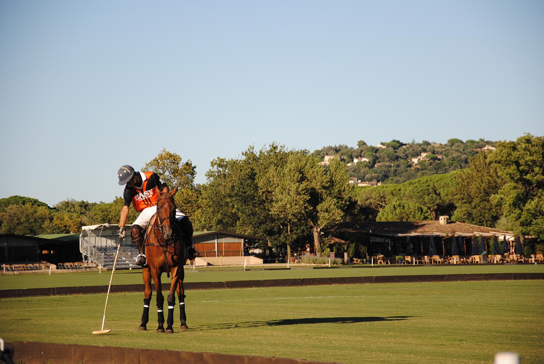Photographie prise par Horse Development lors d'une compétition internationale de Polo à Deauville, cavalier et son cheval